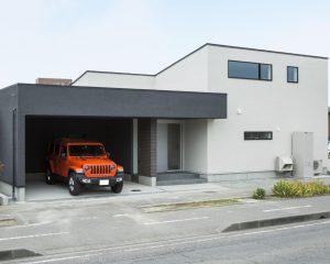 平屋づくりのガレージハウス